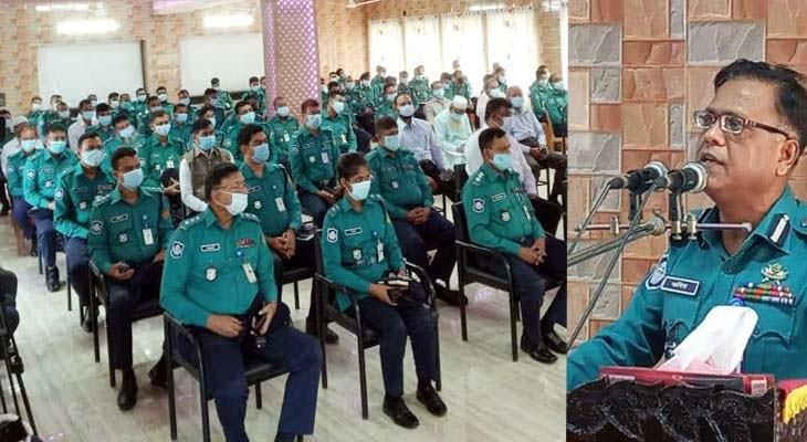 জনগনের সর্বোচ্চ সেবা নিশ্চিত করতে নির্দেশ কেএমপি কমিশনারের