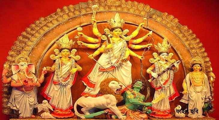 মহাষষ্ঠীতে আজ শুরু শারদীয় দূর্গোৎসব : সন্ধ্যার পর মণ্ডপ বন্ধ, বাদসাধছে বৃষ্টি